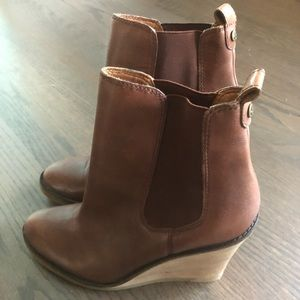 Lucky Brand wedge Fedora boots, brown, sz 9!